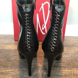 Like New Ankle Booties